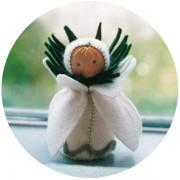 Mini poupée 'Perce neige'